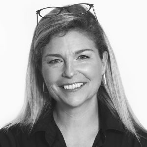 Nancy Florence Savard, présidente, productrice et réalisatrice chez Productions 10e Ave